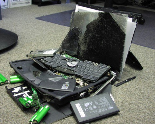 broken-laptop1-580x435